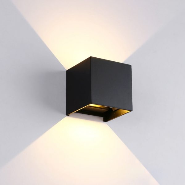 Modern Square Aluminum LED Lamp